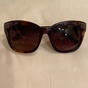Chloé Suzanne Brown Tortoise Gold Stud Sunglasses